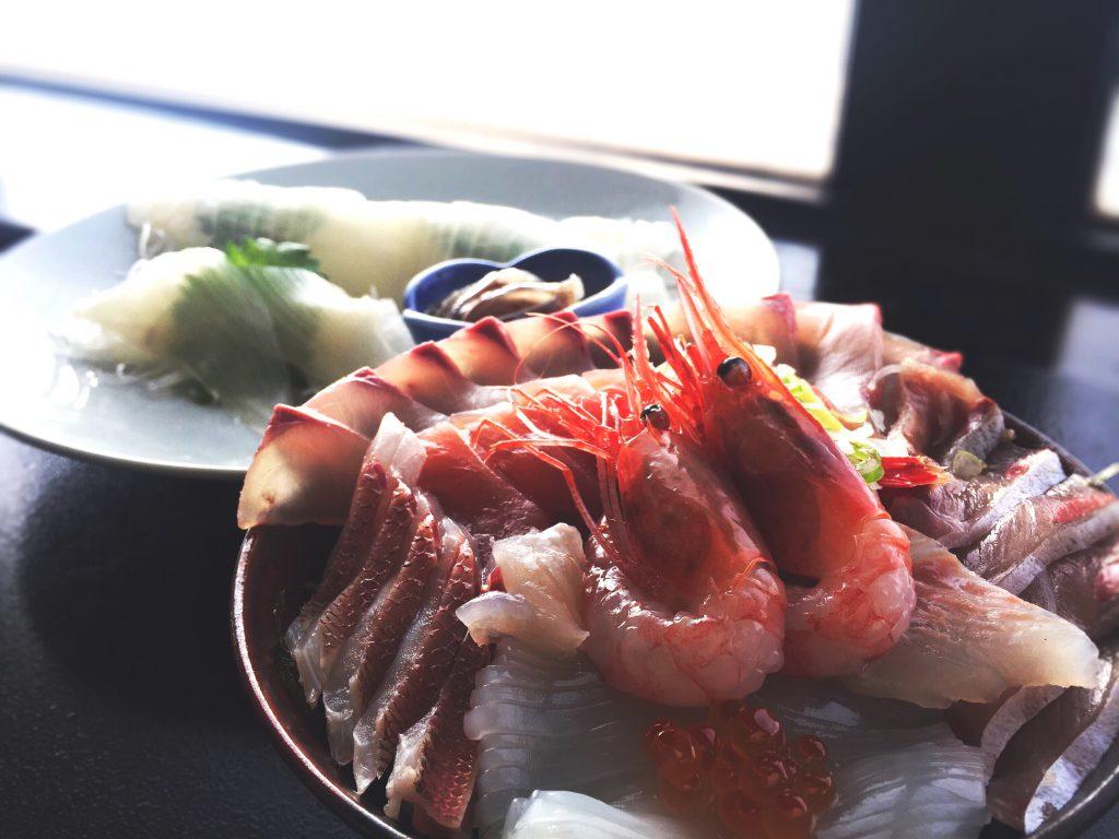 福井越前かに亭うおたけ海鮮丼の画像