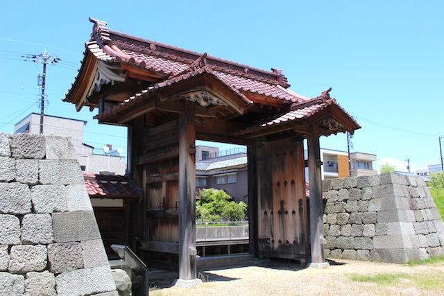 福井城歴史観光舎人門の画像