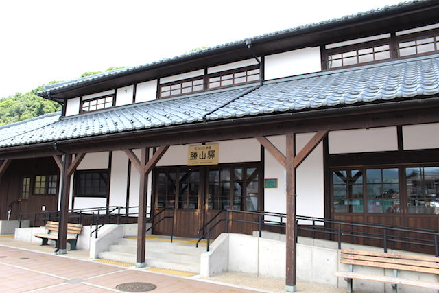 福井電車交通えちぜん鉄道勝山駅の画像