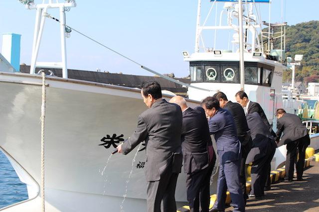福井越前がに漁港出漁式の画像