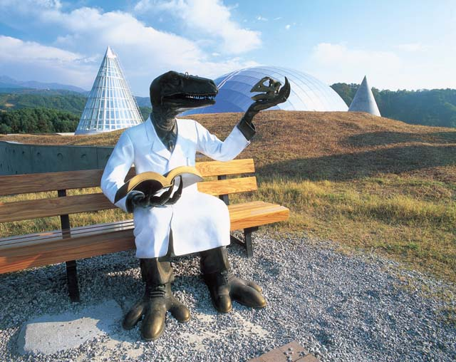 恐竜好きの聖地!かつやま恐竜の森の楽しみ方6選【勝山市】