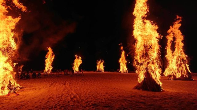 点火の瞬間を見逃すな!勝山左義長どんど焼きの写真撮影のポイント