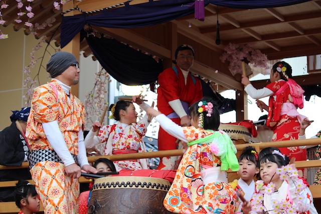 福井伝統行事奇祭勝山左義長まつりの画像