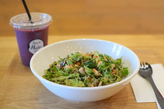 カスタムサラダもスムージーも!体の中も外もキレイになれる「グリーンハイブカフェ」【福井市】