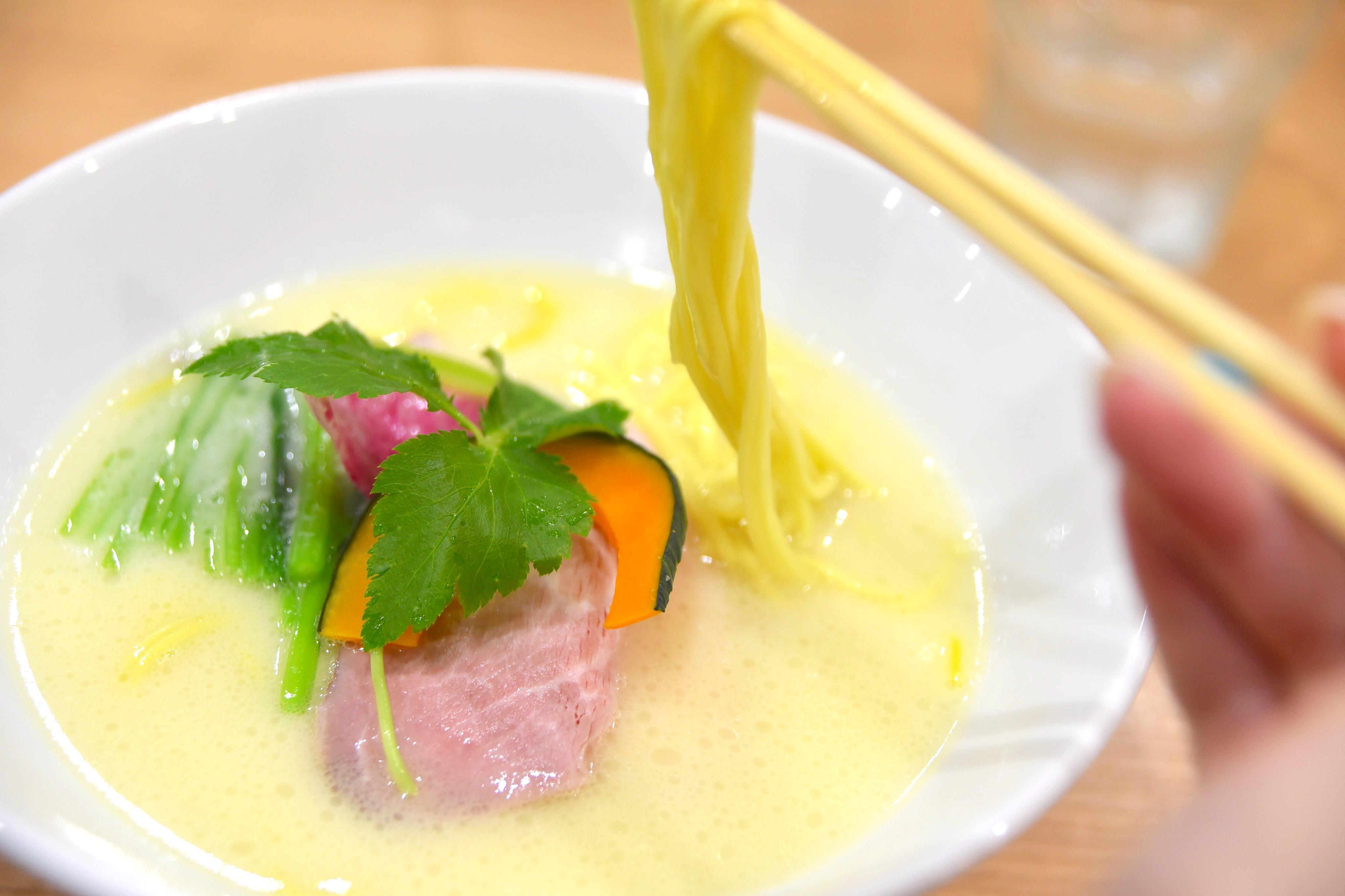 白湯も清湯も!鶏系ラーメン好きに激推ししたい!「鶏SOBA㐂咲」【福井市・とりそばきさき】