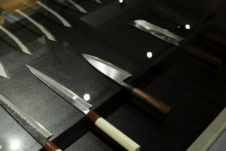 刃物の「柄」と蒔絵の「繪」、新しい工芸に触れられる場『柄と繪』【越前市】